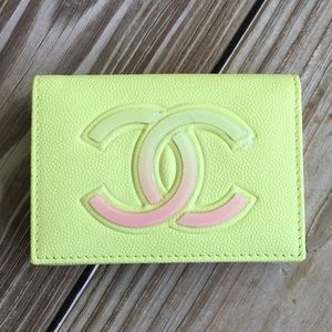 Chanel trifold wallet like new condition